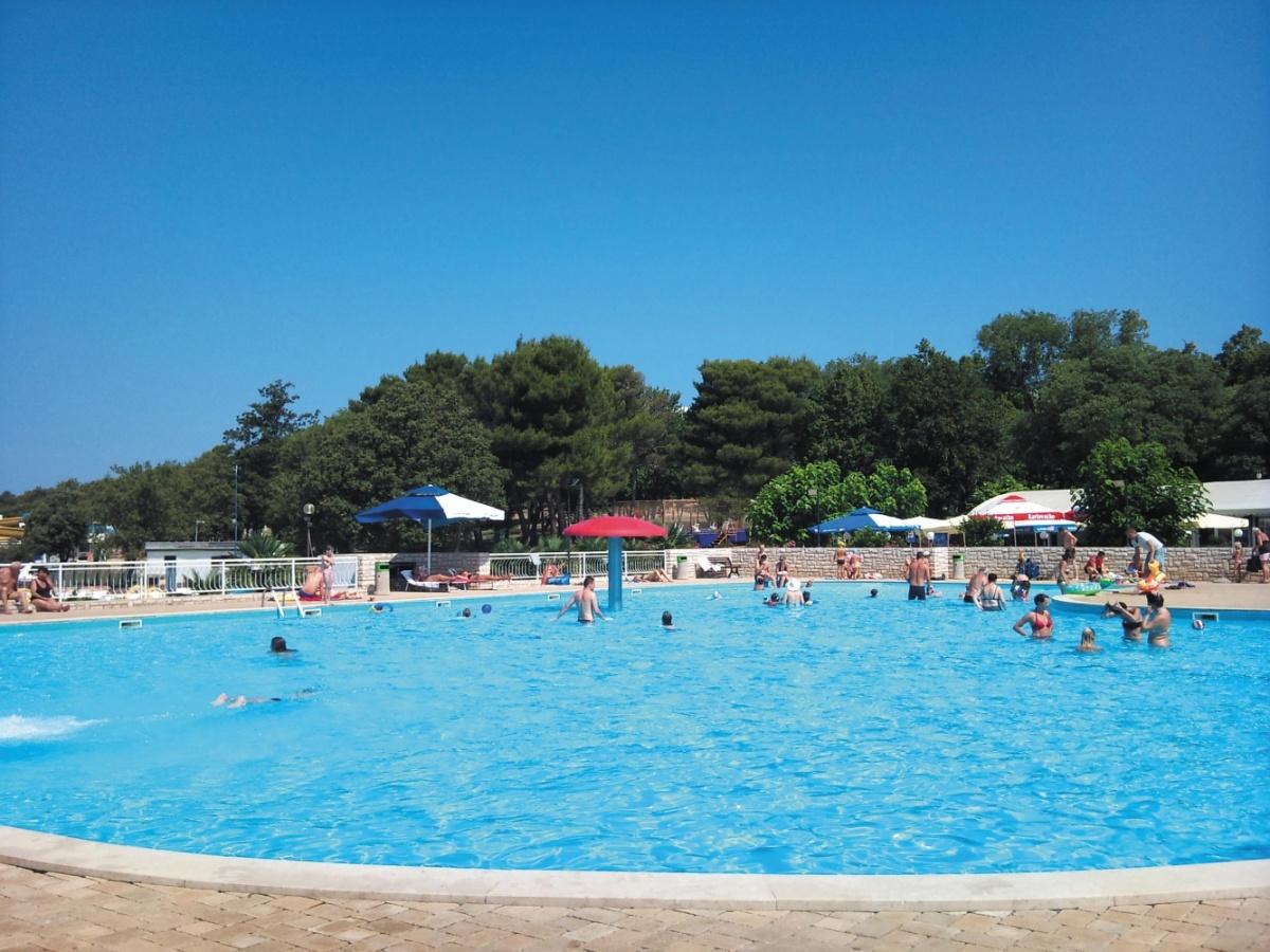 Camping Zelena Laguna zwembad