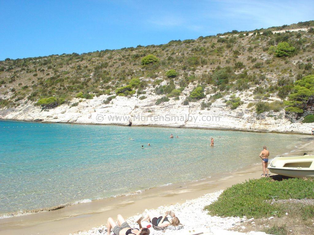 Porat zandstrand op eiland Bisevo