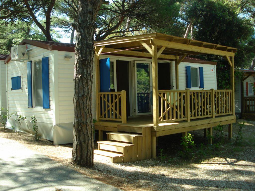 stacaravan verhuur in kroatie luxe mobile homes in kroatie. Black Bedroom Furniture Sets. Home Design Ideas