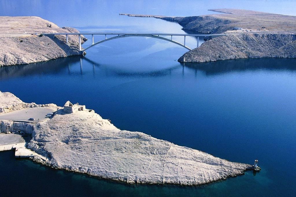 Het eiland pag in kroatie vakantie en bezienswaardigheden - Centraal eiland om te eten ...