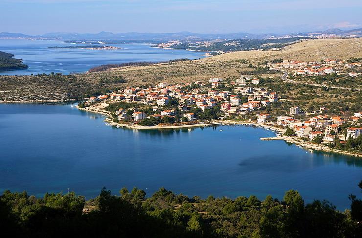 Baai van Grebastica Dalmatie