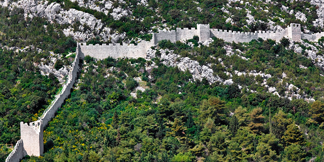 De muur van Ston Peljesac