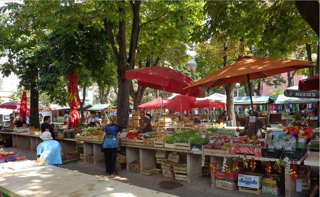 De markt in Pula, Istrie