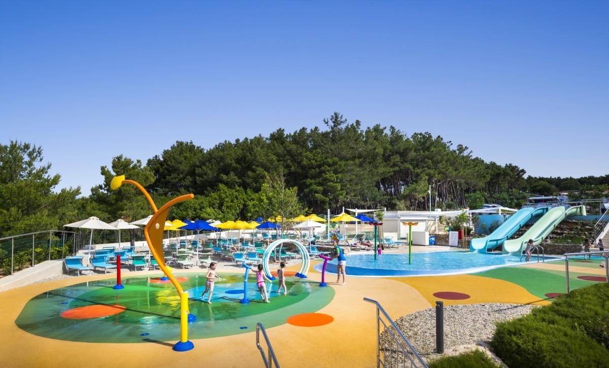 Waterspeeltuin en zwembad camping Krk