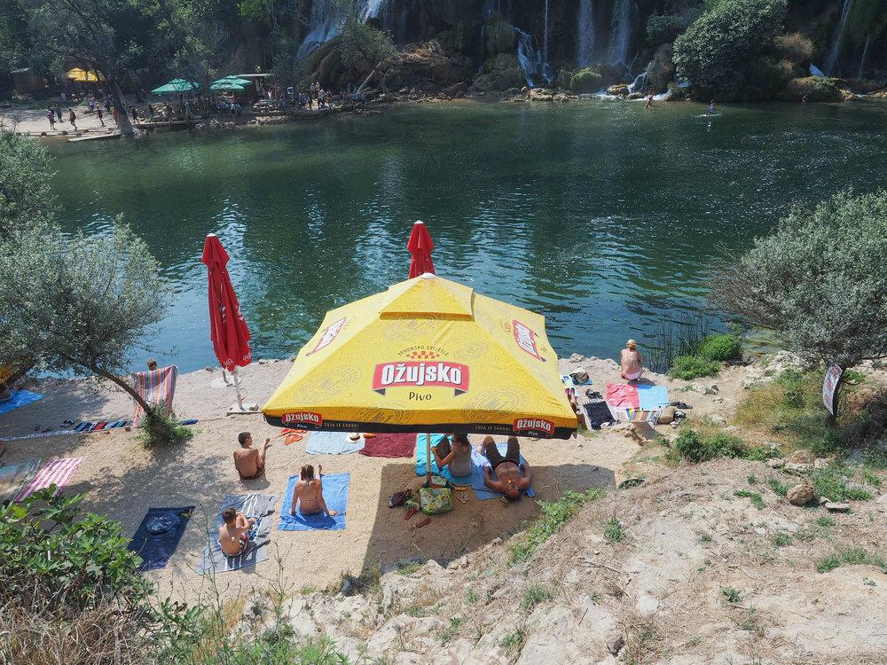 Hoe bereik je de Kravica watervallen
