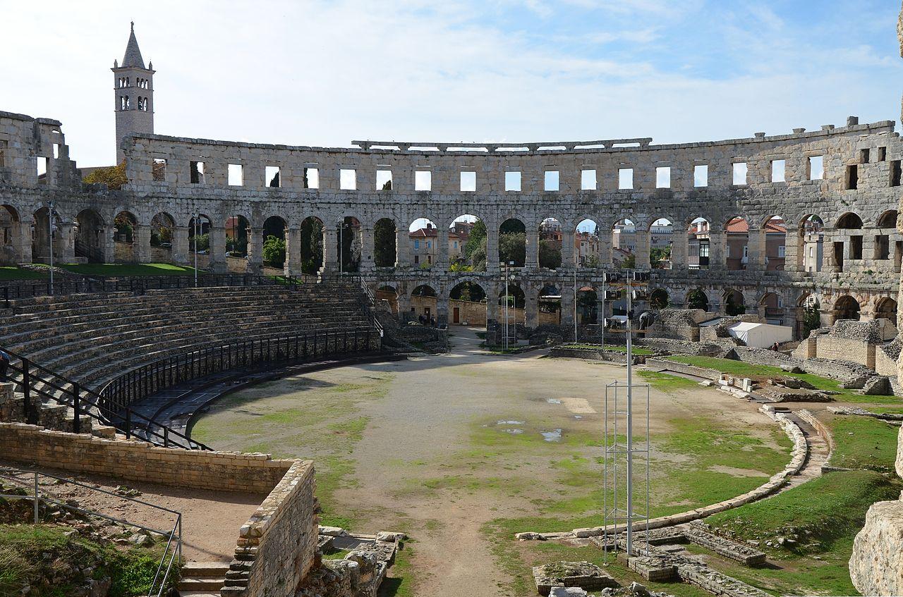 Amfitheater Pula bezoeken