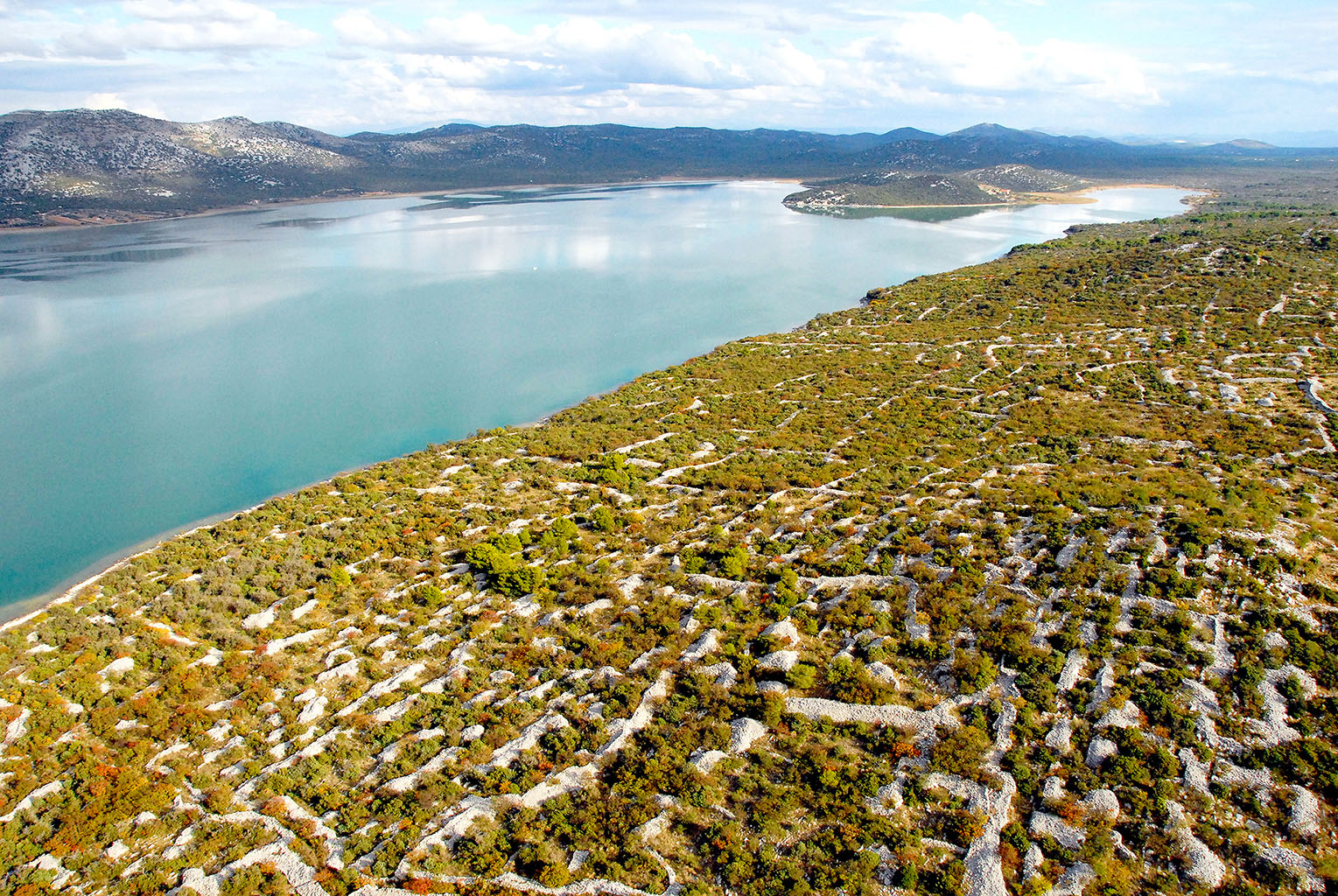 Het Vrana meer in Noord Dalmatië