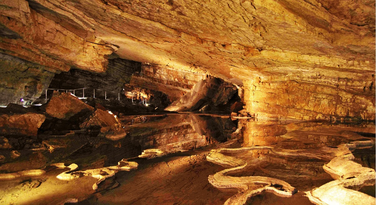 Vjetrenica grot bezoeken