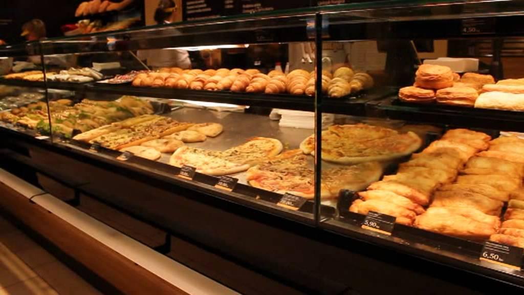Broodjes in kroatische bakkerij