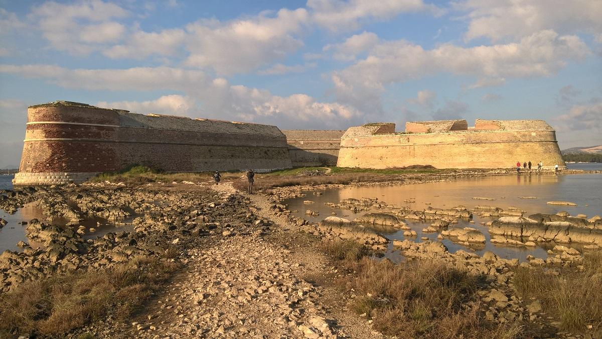 Pad naar het fort van St Nikola